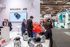 Hanover, Duitsland - April 02 2019: Wolong stelt de nieuwste innovaties bij de MARKT van HANOVER voor royalty-vrije stock afbeelding
