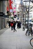 Hanover/Duitsland - 11/13/2017 - een Beeld van een het Winkelen straat Royalty-vrije Stock Afbeeldingen
