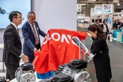 Hanovre, Allemagne - 2 avril 2019 : Wolong pr?sente les plus nouvelles innovations ? la FOIRE de HANOVRE images libres de droits