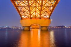 Hanrivier met Seongsan-brug bij night_2 Stock Foto