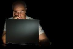 hans bärbar datorman Arkivfoto