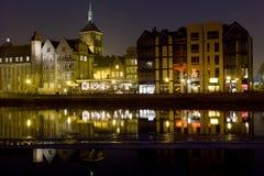 Hanseatic arkitektur av Gdansk på natten. Royaltyfria Bilder