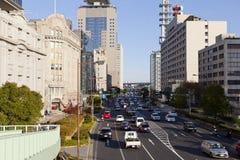 Hanshin motorväg i den i stadens centrum Kobe staden Arkivbild