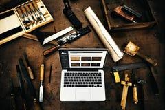 Hantverkare Concept för sakkunskap för träverktimmerseminarium arkivbild