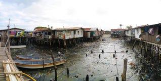 Hanuabada村庄的贫民窟莫尔斯比港郊外的,巴布亚新几内亚 免版税库存照片
