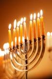 Hanukkah que brilla intensamente Menorah imagen de archivo