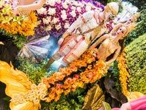 Hanuman e yaksha do ramayana famoso nas orquídeas 2014 de Banguecoque do modelo Imagem de Stock Royalty Free