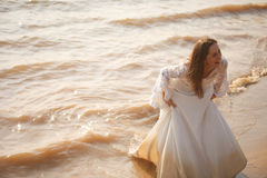 Happy running bride Royalty Free Stock Photography