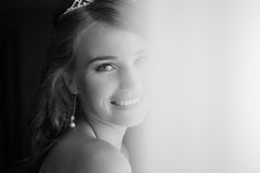 Happy bride smiling at the camera Royalty Free Stock Photos