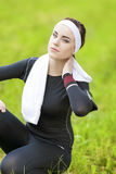 Happy Caucasian Brunette Sportswoman Relaxing Outdoors Royalty Free Stock Image