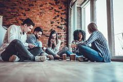 Free Happy Colleagues Playing Who I Am Game, Having Great Pastime Together Royalty Free Stock Photo - 159882345