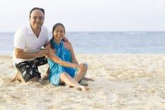 Happy Couple at the beach Royalty Free Stock Photos