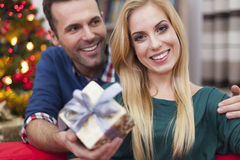 Happy couple in Christmas time Royalty Free Stock Photography