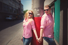 Happy couple have fun in the city Royalty Free Stock Photos
