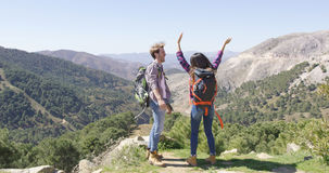 Happy couple hiking Royalty Free Stock Photography