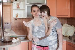 Happy couple in kitchen Royalty Free Stock Photography