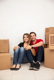 Happy couple moving in together Royalty Free Stock Photos