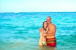 Happy couple in sea Royalty Free Stock Photos
