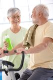 Happy elderly couple in the gym Royalty Free Stock Photography
