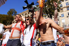 Happy english football fans go crazy on the street Royalty Free Stock Photos