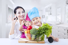 Healthy family at home Royalty Free Stock Photography