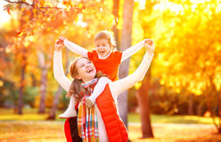 Happy family: mother and child little daughter play cuddling on Royalty Free Stock Photography