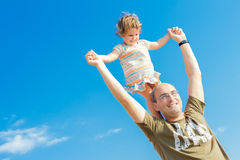 Happy father and baby child girl outdoors Royalty Free Stock Photos