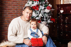 Happy father and his adorable little daughter among Christmas de Stock Image