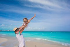 Happy father play with little daughter on their summer vacation Stock Photography
