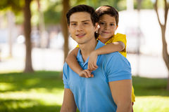 Happy father and son in a park Royalty Free Stock Photography