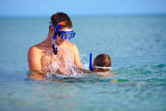 Happy father and son snorkeling Royalty Free Stock Photography