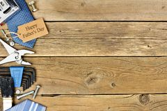 Happy Fathers Day gift tag with side border on wood Royalty Free Stock Photo