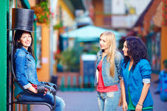 Happy female tourists having fun in the city Royalty Free Stock Photos