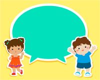 Happy kids with empty speech bubble cartoon . Stock Images