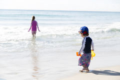 Happy Little Boy  And His Sister On The Beach Royalty Free Stock Photos