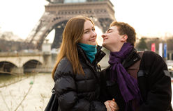 Happy loving couple in Paris Royalty Free Stock Photos