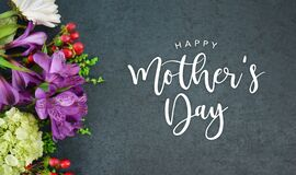 Free Happy Mother`s Day Text With Flowers Bouquet And Black Texture Background Stock Photography - 179052452