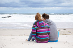 Happy pair on beach Royalty Free Stock Photography