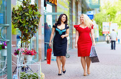 Happy plus size women shopping Royalty Free Stock Images