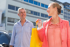 Happy senior couple shopping in the city Royalty Free Stock Photos