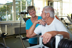 Happy seniors in gym Royalty Free Stock Photos