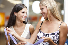Happy shoppers! Royalty Free Stock Photos