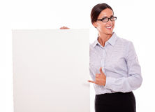 Happy smiling brunette businesswoman with placard Royalty Free Stock Images