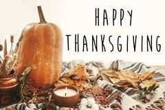 Free Happy Thanksgiving Text On Beautiful Pumpkin, Candle Light, Fall Royalty Free Stock Images - 128144219