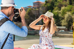 Happy Tourist Couple Enjoying City And Taking Photo Royalty Free Stock Photos