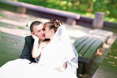 Happy wedding couple Royalty Free Stock Images