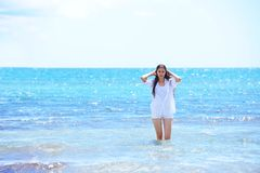 Happy woman enjoy summer vacation Stock Photography