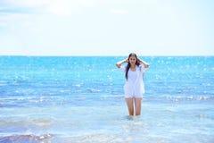 Happy woman enjoy summer vacation Stock Photography