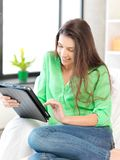 Happy woman with tablet pc computer Royalty Free Stock Photography