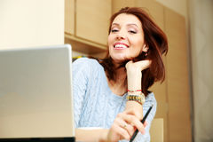 Happy woman working Royalty Free Stock Photos